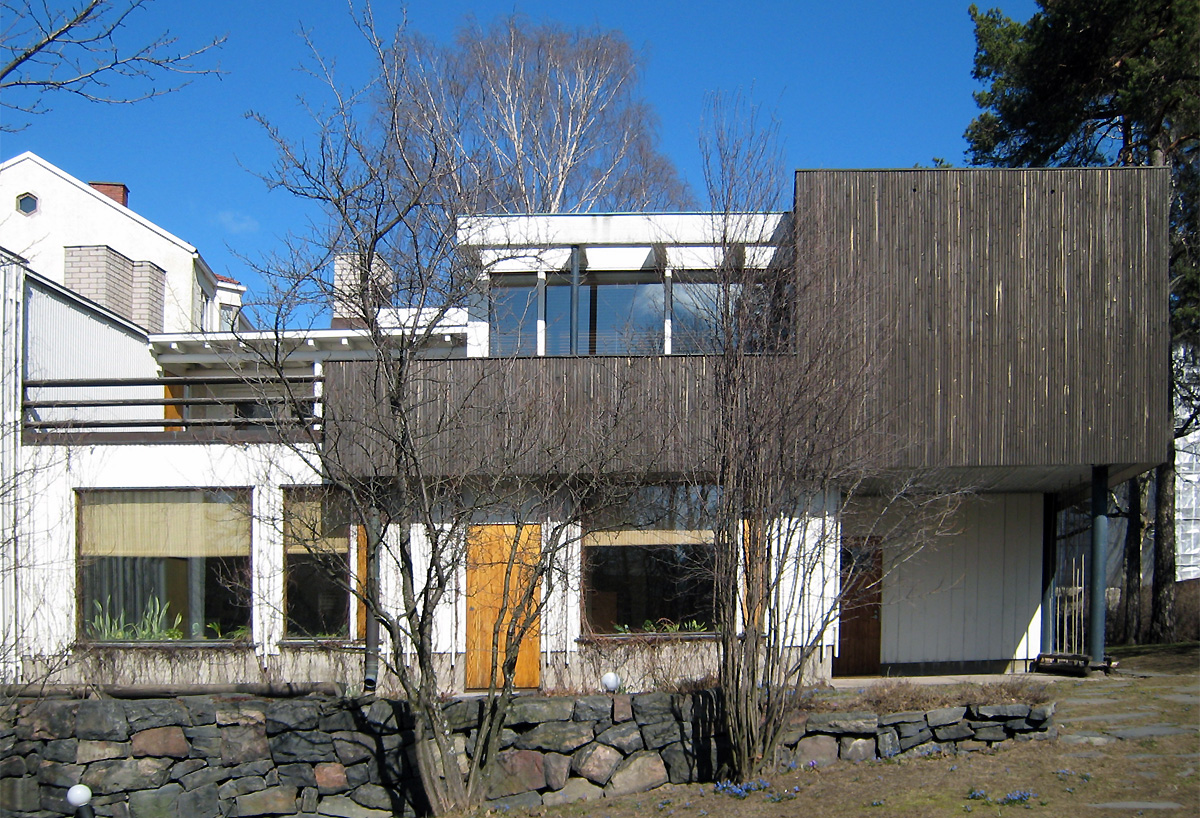 the aalto house helsinki by alvar aalto