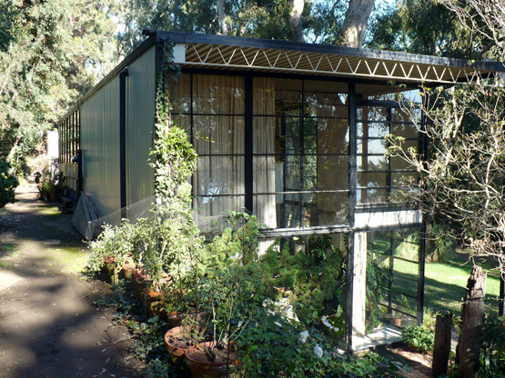 the eames house california by charles and ray eames. Black Bedroom Furniture Sets. Home Design Ideas