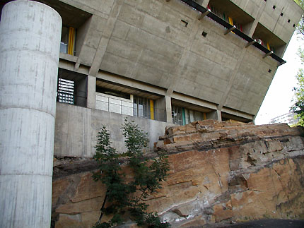 http://www.galinsky.com/buildings/firminy/firminy2.jpg