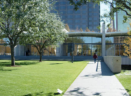 the different representations of arts found in dallas museum of art nasher sculpture center and crow Explore a wide variety of world-class art at various museums like the dallas museum of art, nasher sculpture garden and kimball art museum admire historic landmarks and award-winning public spaces in dallas like the innovative klyde warren park with an urban planner.
