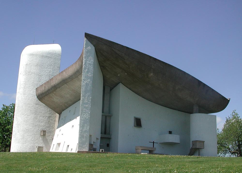 Chapel of notre dame du haut ronchamp by le corbusier for Architecture le corbusier