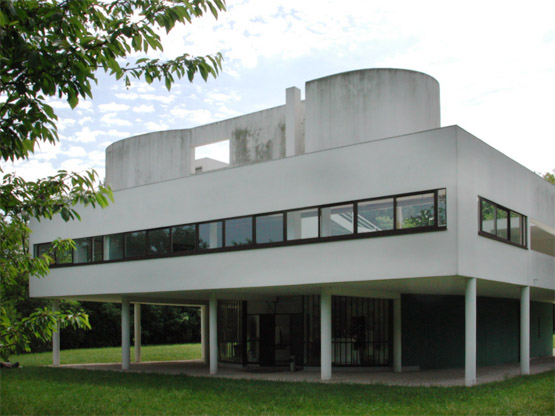 Le Corbusier: Villa Savoye, Poissy, France