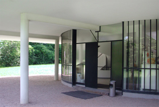 Villa Savoye Poissy by Le Corbusier